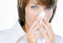 Алергія на косметику, що робити? Симптоми, як поєднати косметичні засоби