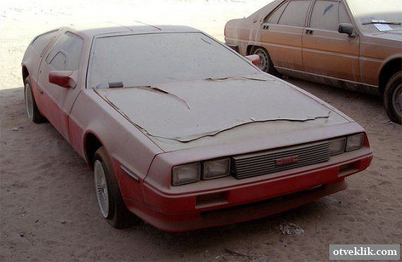 Покинуті автомобілі класу люкс в Дубаї
