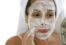 Чим корисна маска з кефіру для обличчя? Чи допомагає це насправді