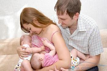 Що робити, якщо дитина травмує соски матері при грудному вигодовуванні