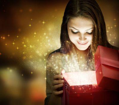 Що подарувати коханій дівчині на новий рік