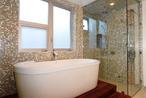мозаїка в інтер`єрі ванної кімнати фото
