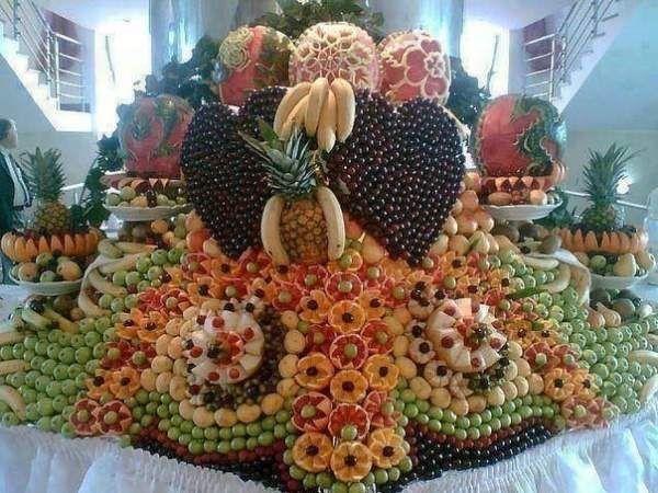 Фруктовий стіл на весіллі