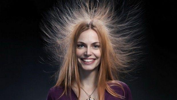 Електризуються волосся: що робити