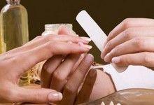 Як правильно робити корекцію нарощених нігтів? Як часто це потрібно