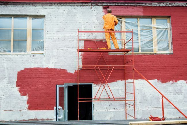 Як правильно пофарбувати фасад будинку