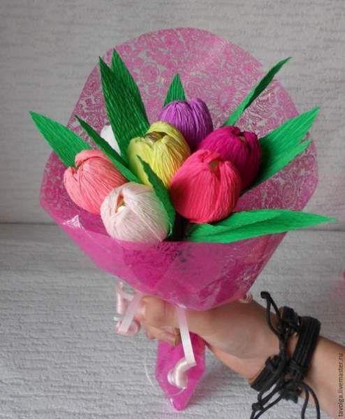 Як зробити яскравий букет тюльпанів з цукерок.