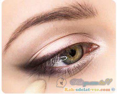 Як зробити гарний макіяж очей?