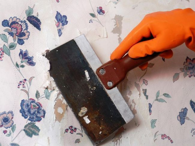 Як зняти старі шпалери легко і просто