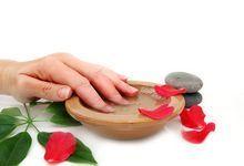 Як зміцнити дуже слабкі і ламкі нігті? Що робити, якщо нічого не допомагає