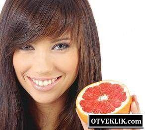 Які маски для волосся можна зробити з грейпфрута?