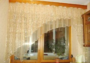 Який ламбрекен вибрати на кухню: фото, види і стилі віконного прикраси