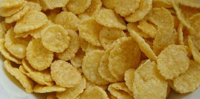 Кукурудзяні пластівці: користь і шкода