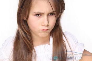 Маленькі груди у дівчинки-підлітка. Реальна проблема або надуманий міф?