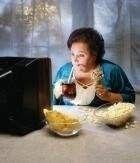 Міфи про здорове харчування - не можна дивитися телевізор і є.