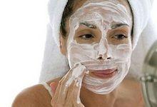 Народні та ефективні маски для омолодження шкіри обличчя в домашніх умовах