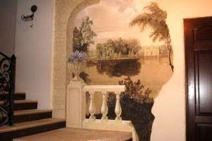 Настінний живопис водяними фарбами по сирій штукатурці: оригінальний декор для любителів ексклюзиву