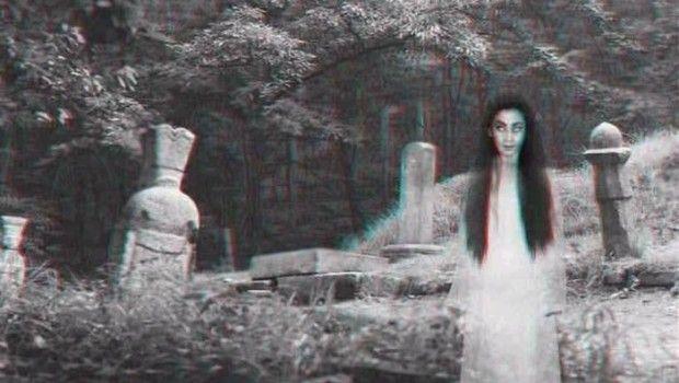 Чому не можна фотографуватися на кладовищі