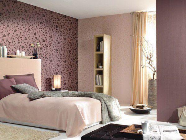 як красиво наклеїти шпалери в спальні двох кольорів фото 11