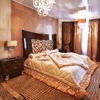 дизайн спальні з шпалерами двох кольорів фото 41