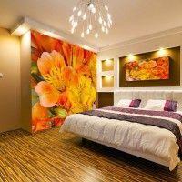 дизайн спальні з шпалерами двох кольорів фото 17