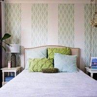 дизайн спальні з шпалерами двох кольорів фото 7