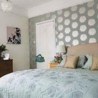 дизайн спальні з шпалерами двох кольорів фото 44
