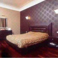 дизайн спальні з шпалерами двох кольорів фото 35