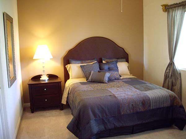 Різні варіанти інтер`єрів маленьких спалень