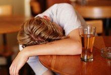 Росіянам можуть заборонити купувати алкоголь до 21 року