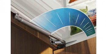 З доводчиком двері Liebherr SoftSystem холодильник закриється плавно і надійно навіть дитиною
