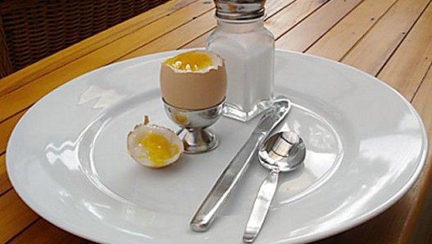Скільки варити яйця всмятку