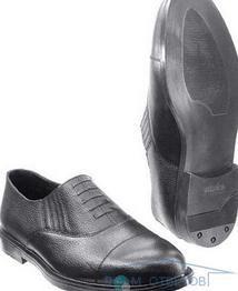 Поради по розтягуванню замшевого взуття.