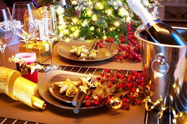 Декор новорічного столу фото