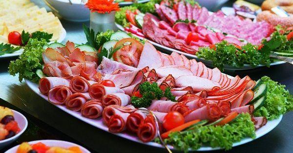 Прикраса блюд до святкового столу фото