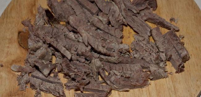 Варена яловичина: користь і шкода