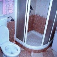 маленькі ванні кімнати з душовою кабіною фото 17